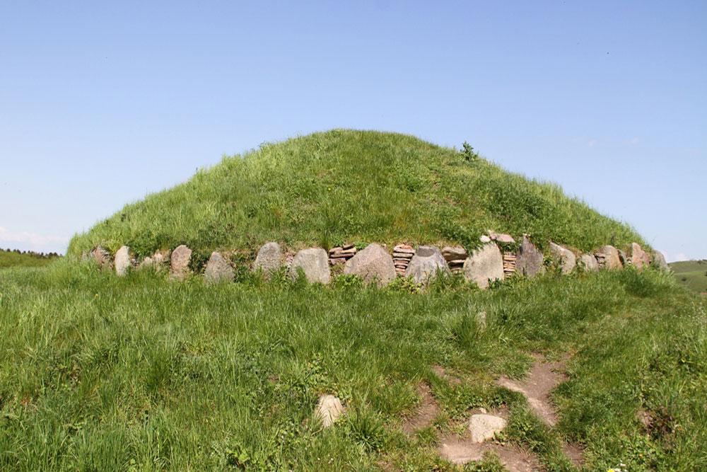 Hulbjerg megalithic passage crypt, Langeland, Denmark (c. 3000 BCE)